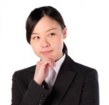 考える 新人 会社員 女性