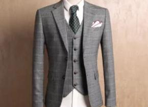 グレーのスーツとベスト メンズ