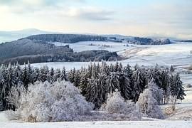 真冬の広大な雪景色
