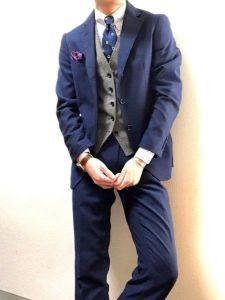 男性 ネイビー スーツ