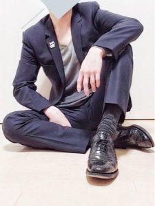 男性 スーツ ノーネクタイ コーデ