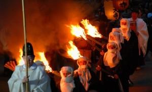 若草山の山焼き 聖火行列
