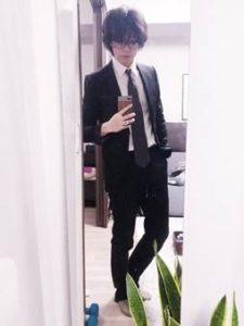 黒のスーツ 男性