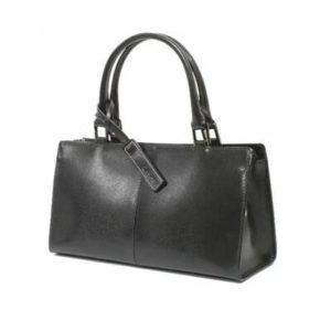 黒 革のバッグ