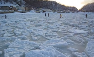 知床 流氷ウォーク