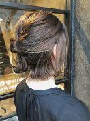 ショート 髪型 女性 ハーフアップ