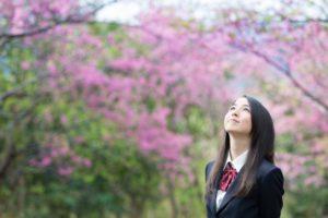 女子高校生 桜 卒業