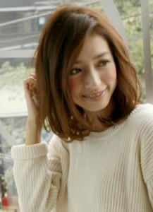 かきあげミディアム 髪型