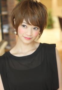 ショート ママ 卒園式 髪型