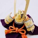 五月人形(兜飾り)の上手な飾り方。三段飾り、平飾りの場所や方角