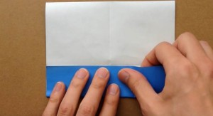 折り紙 4等分に折り目を入れる