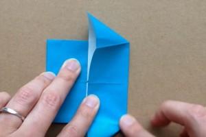 折り紙 折り目を尖らせていく