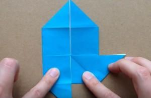 折り紙 2辺を外側に折る
