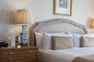 ホテル 部屋 ベッド