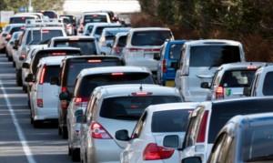 車 交通渋滞