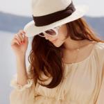 パナマ帽のレディースコーデ。おしゃれなかぶり方やおすすめブランド!
