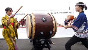 成田太鼓祭り 女性 太鼓