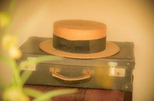旅行バッグ 帽子