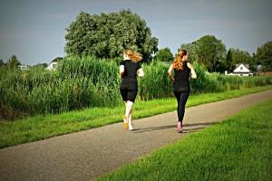 ジョギング 外国人 女性