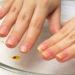 爪を早くキレイに伸ばす方法!爪の健康に良い食べ物やマッサージ。