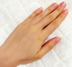 健康できれいな女性の手