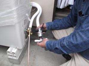 エアコン 室外機 修理