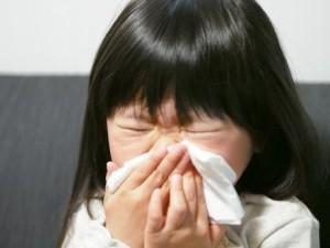 子供 鼻をかむ
