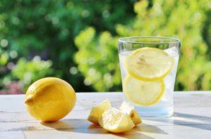 レモンとレモン水