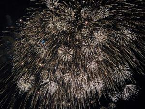 巨大な打ち上げ花火