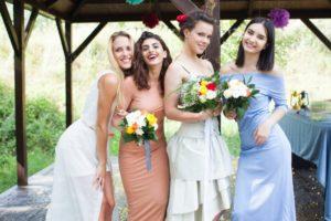 外国人 結婚式 友人 女性