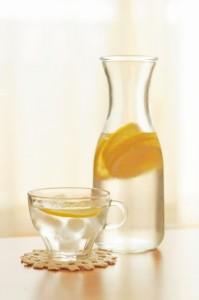 レモン水 入れ物 グラス