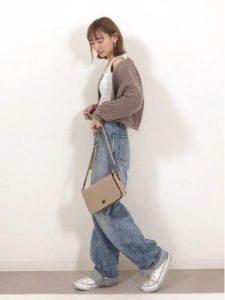 女性 スニーカー コーデ