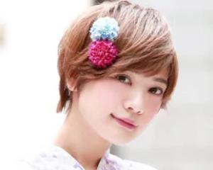 女性 ショートヘア ヘアアクセサリー 花