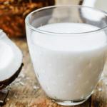 ココナッツミルクの栄養と効能。カロリーや副作用、ダイエット効果は?