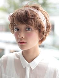 女性 髪 カチューシャ