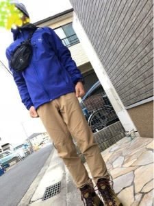 登山 男性 服装 秋