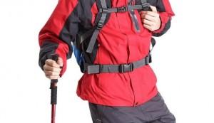 登山ファッション 赤のトップス