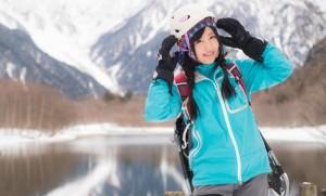 冬 雪山 女性