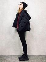 黒コーデ ニット帽 パンツ 女性