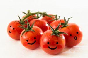 トマト 顔
