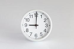 時計 9時