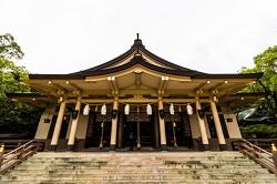 湊川神社 殿内参拝