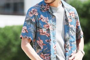 男性 アロハシャツ