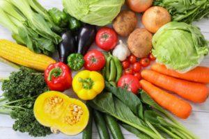 色とりどりの生野菜