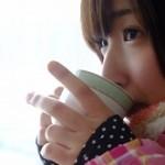 コーヒー 女性 冬
