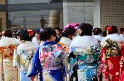 成人式 振り袖の女性たち
