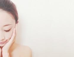 化粧水 ローション 付け方