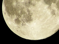 月 クレーター