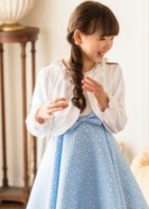 女の子 水色のドット柄ワンピース 入学式