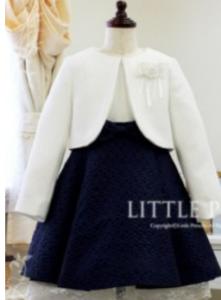 女の子 ネイビーの花柄ワンピース 白ジャケット 入学式